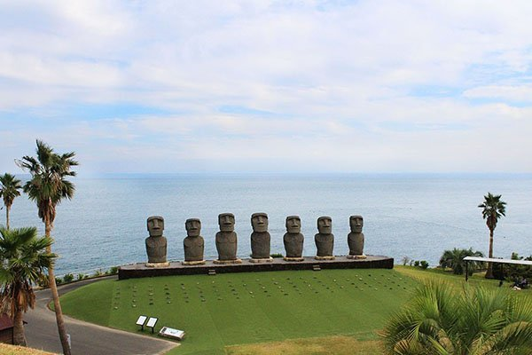 Japan's Easter Island heads guide