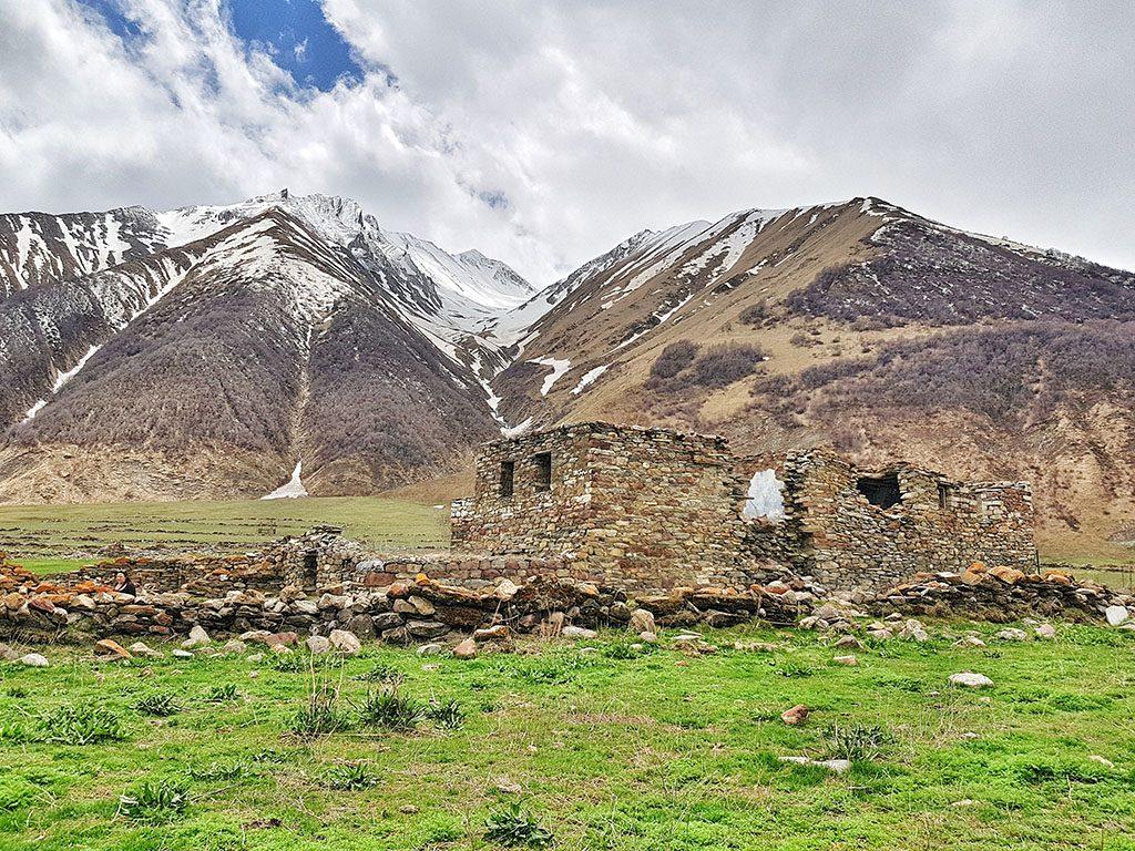 Hiking in Kazbegi guide