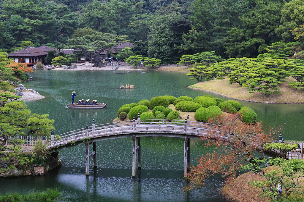How to visit Ritsurin Garden guide