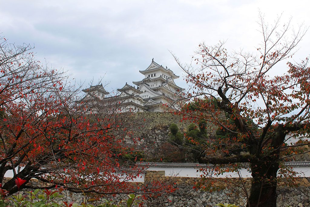 Himeji Castle guidebook how to visit