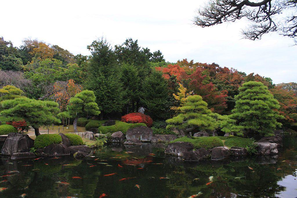 Garden next door to Himeji Castle