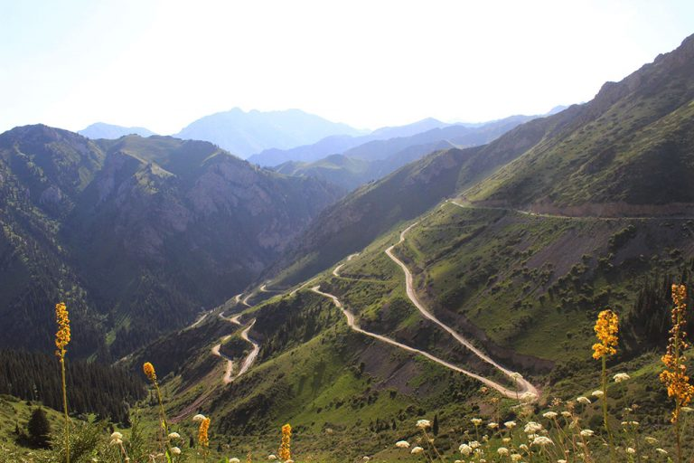 Guide to Kyrgyzstan roads