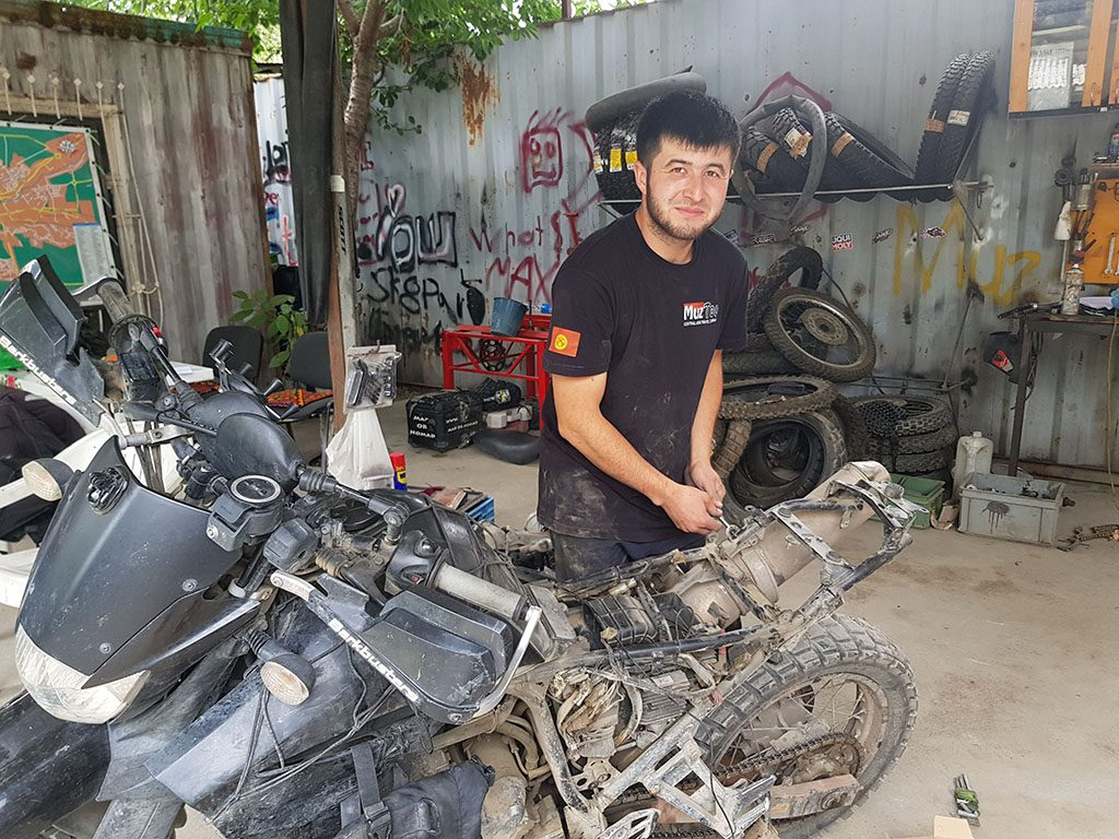 Muz Too mechanic in Osh Kyrgyzstan