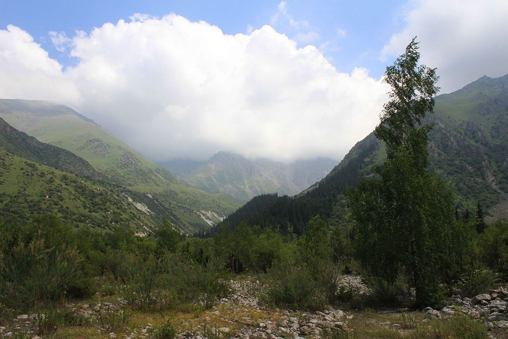 hiking in Kyrgyzstan parks