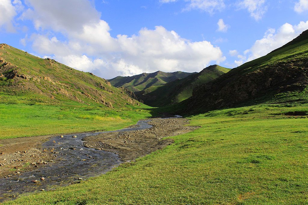 Guide to the Ice Valley in Mongolia