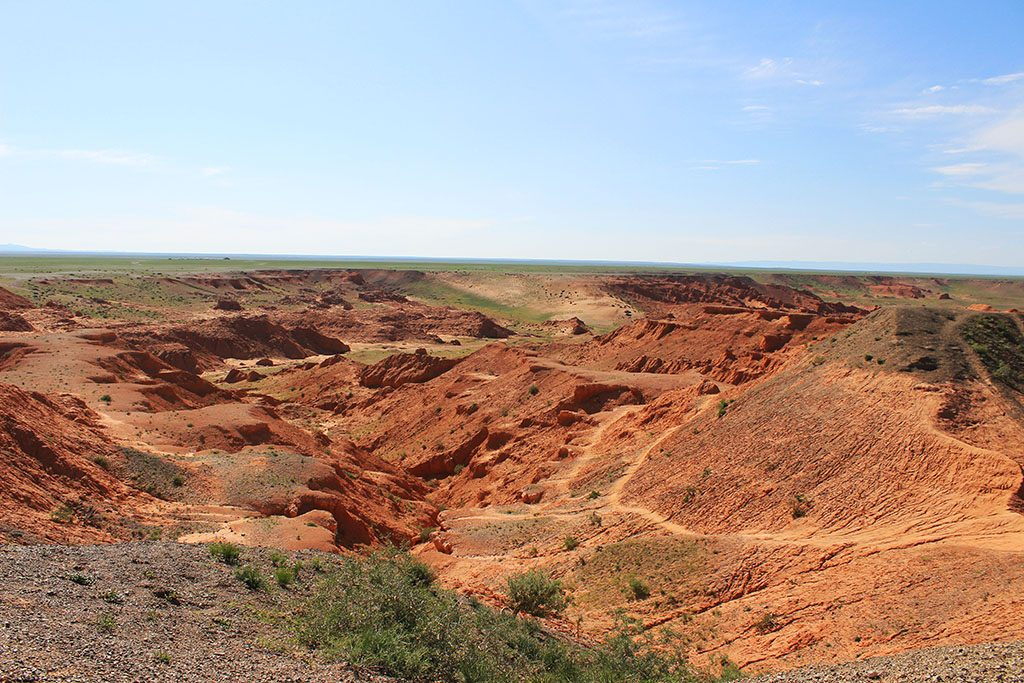 Travel in Mongolia Red Cliffs