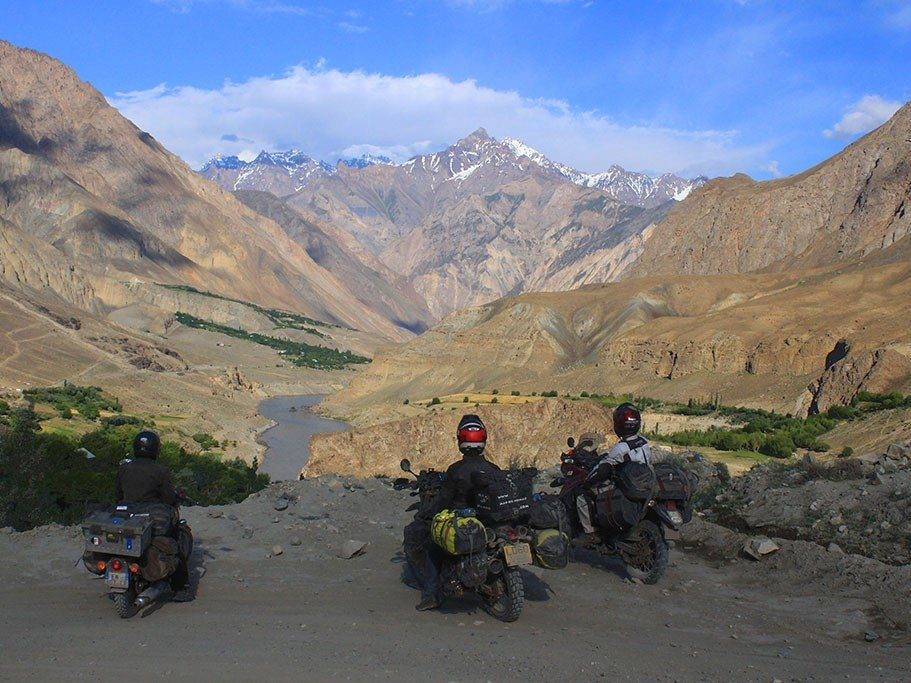 How to motorcycle in Tajikistan and Pamirs
